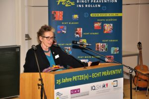 Ursula Schele, Geschäftsführerin der PETZE